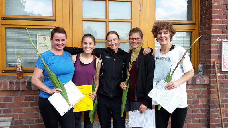 Erste Etappe ist geschafft. Nach zehn Wochen erwerben Laufkurs-Teilnehmerinnen ihr DLV Laufabzeichen Stufe 2 :)